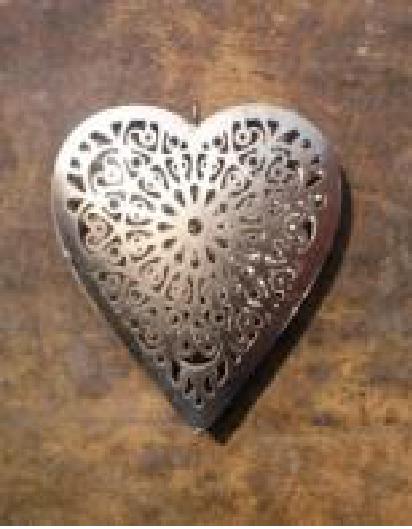 Heart Metal Christmas Decor  Size - 15x3x15.50 cms.