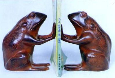 Aluminium Sitting Frog Bookends,  Size - 10X10x12 CM