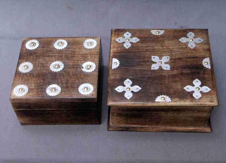 "4''x 4 ""Small Antique Finish Square Metallic Work Wooden Box"