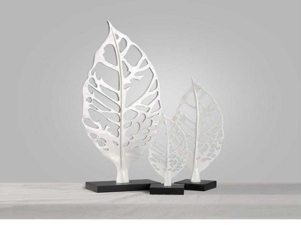Brief handmade white resin maple leaf home decor (A)