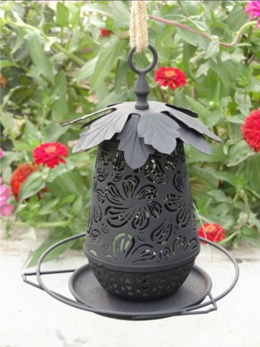 Black Decorative With Leaf Metal Bird Feeder