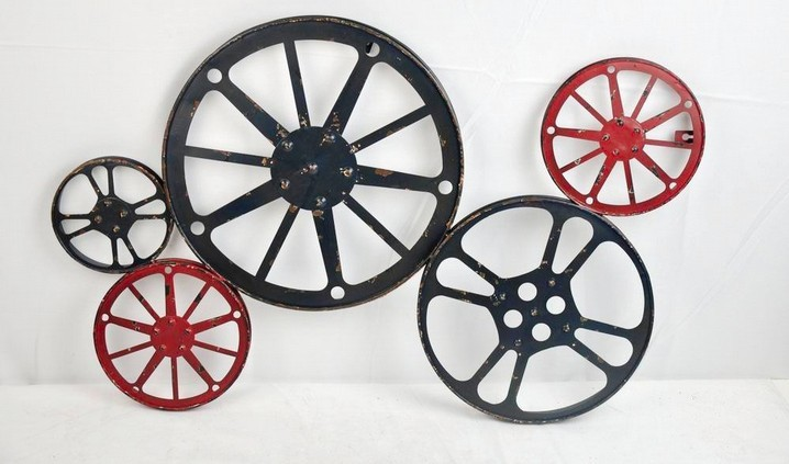 Decorative Black & Red Wheel Metal  Decor