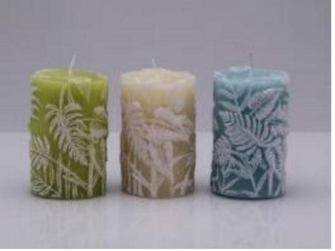 Leaf design pillar candle
