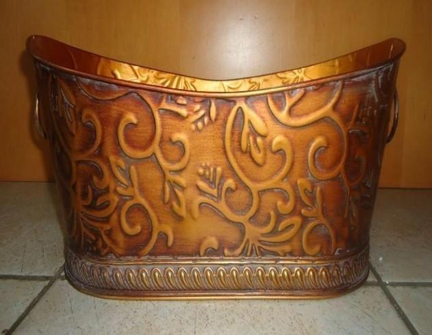 Metal Oval 16 Inch Flower Pot