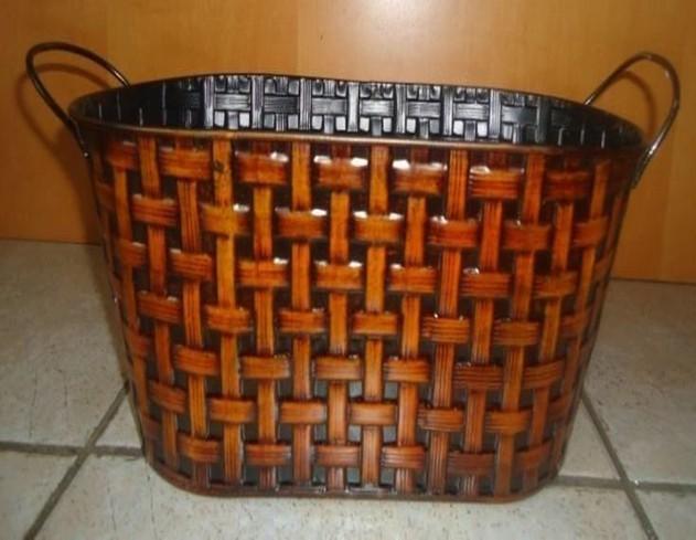 Metal Oval 15 Inch Flower Pot Planter
