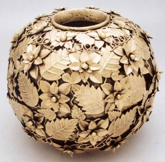 Pine & Leaf Designed 10 Inches Flower Vase