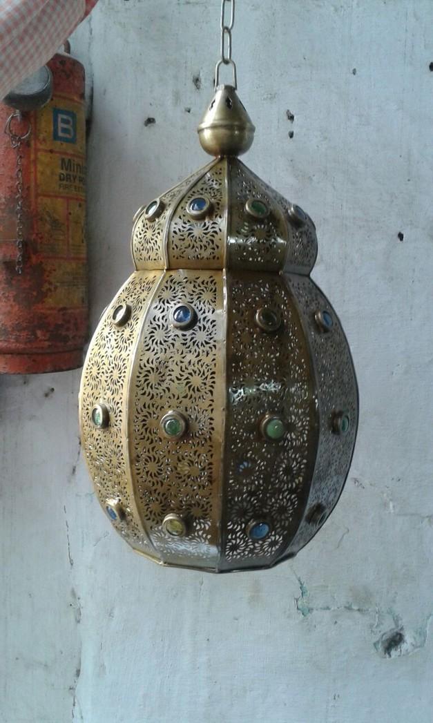 Round crown design Lantern