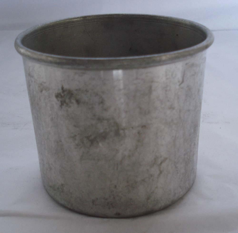 Simple Round Shape Galvanized Metal Planter