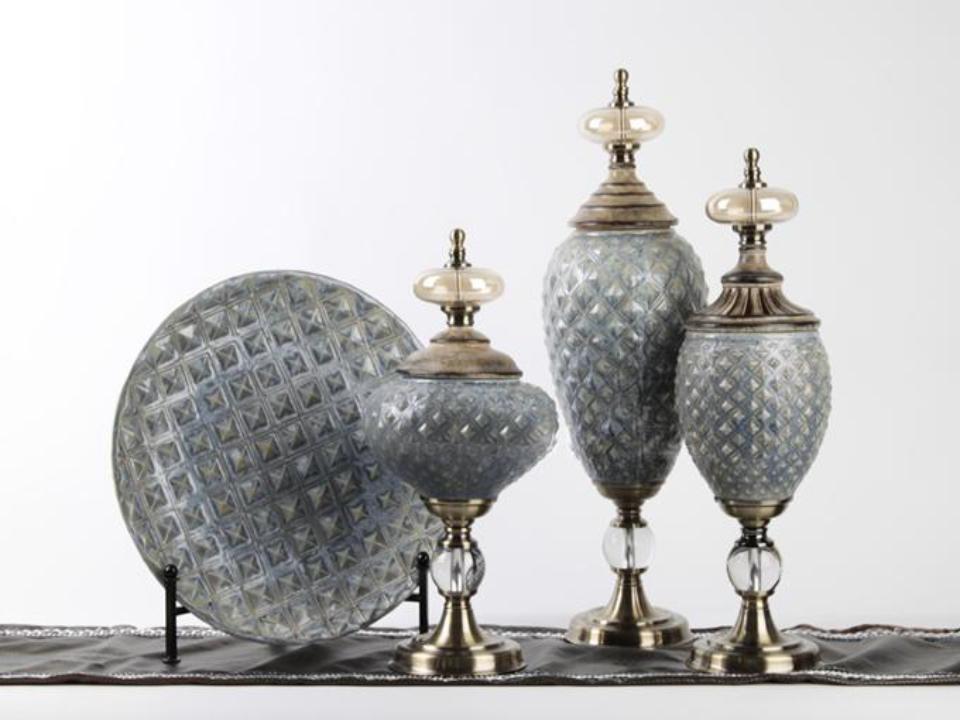 Modern style beautiful resin ornament wedding decoration (B)