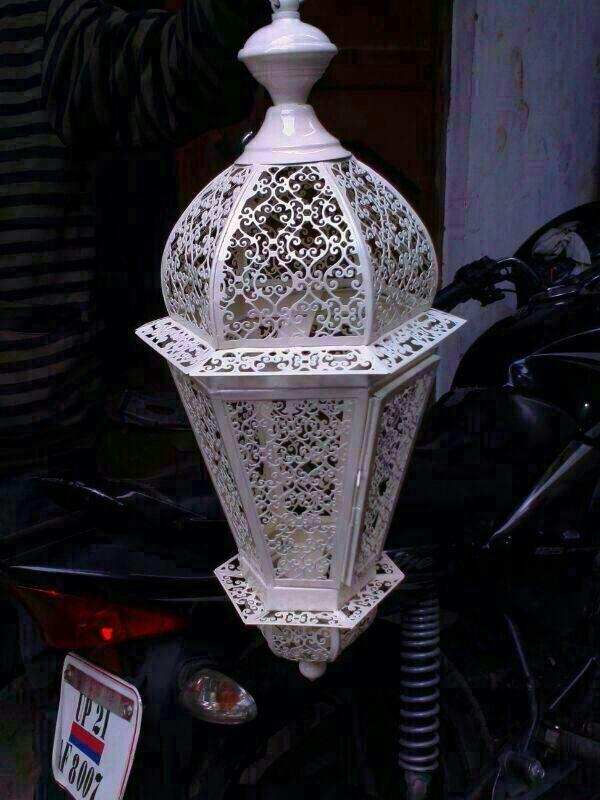 Bright white finish swim design lantern