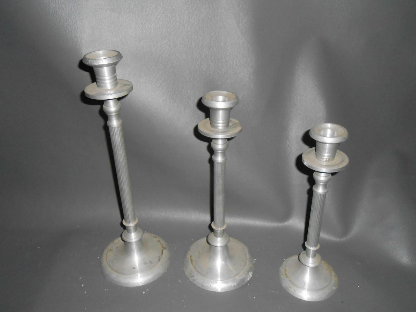 Set of 3 Pillar Aluminum Candle Stand