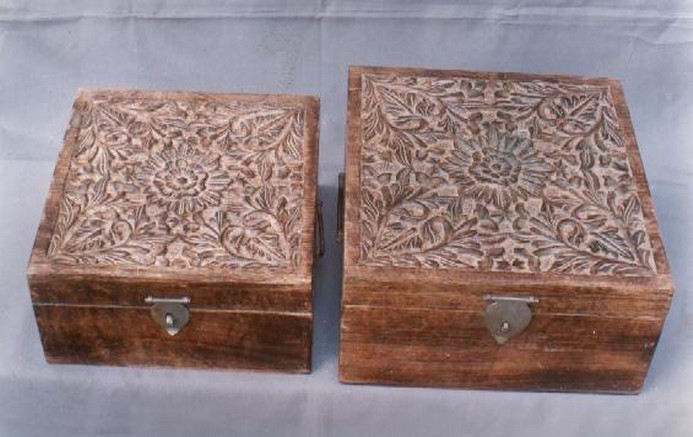 Medium Shaded Brown Wooden Box With Floral Work Square(8'' x 8'' )