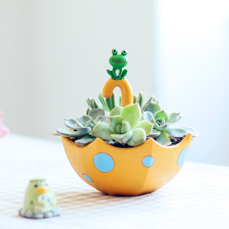 Yellow Umbrella Shape Ceramic Planter