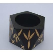 Diamond Cut Wooden Napkin Ring