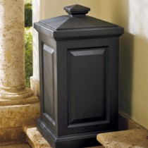 Classic Design Black Trash Can With Lid