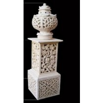 Decorative Floral Design Pedestal With Antique Flower Pot