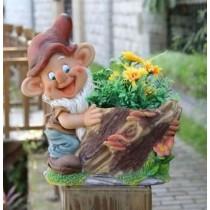 Decorative Gnome Holding Garden Planters(27.4 X 17.5 X 28.2 CM)
