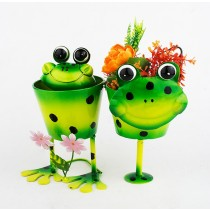 Double Frog Design 27cm Metal Planter