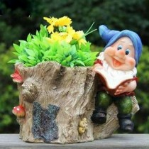 Gnome With Garden Planter Sculpture(20.8 X 15.6 X 18 CM)