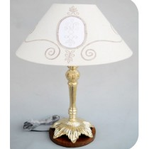 Lamp With Flower Base, 19 Inches