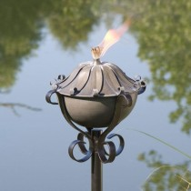 Leaf Design Zinc Garden Torch With Yard Stake