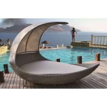 PE Rattan Moon Lounger With Canopy