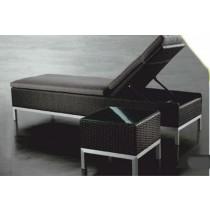 Rattan & Aluminium  Pool Side Lounge Chair With Table
