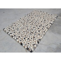 Small-Pebble Design Carpets