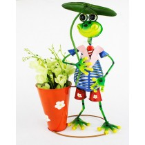 Tall Frog Holding 30 cm Metal Planter
