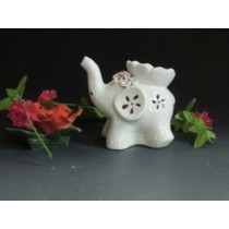 White Ceramic Decorative Elephant Oil Burner(L 10.8 X W 9.6 X H 13.3 CM)