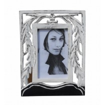 White Colored 4 x 6 Photo Frame
