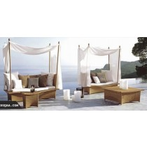 Wicker Brown Pool Side Lounger With 1 Table
